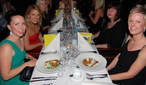 Fin stämning vid matborden konstaterade Annna Nordkvist, Maria Wedde Åberg, Carina Larsson och Linda Enström.