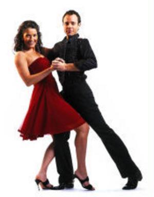 Nu gör Agneta Sjödin comeback i TV4. Tillsammans med David Hellenius leder hon programmet Let's dance som har premiär på fredag.