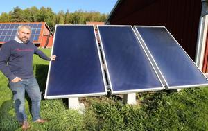 Så ser en anläggning med solfångare ut, säger Stefan Enerud