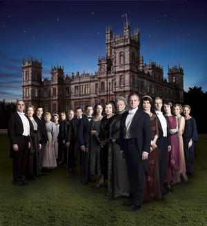 Downton abbey är en av världens allra mest populära tv-serier. Nu är den tillbaka i SVT.