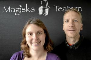 Emma och Jakob Svensson driver sedan några år tillbaka Magiska Teatern i Vretstorp. Nu har de väckt liv i den gamla biografen och börjar visa film varje fredag och lördag. Arkivbild.
