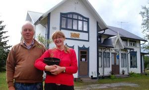 Rolf Nordström och Galina Timermane och Planta Jemtlandica har sitt säte i ett mycket vackert hus i Krångede.