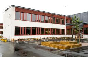 På måndag är det upprop på nyrenoverade Staffansskolan på Brynäs.
