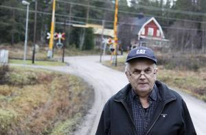 Karl-Evert Nordin menar att problemet med grusvägarna ligger i att Trafikverket använder helt fel material.