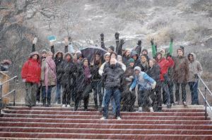 Alla elever visade prov på ett mycket gott humör trots snöstorm på Skansen. Bild: Carina Ek.
