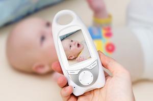 Babyvakten kan vara ett bra hjälpmedel för småbarnsföräldrar. Vi har testat hur ett flertal produkter fungerar i praktiken.