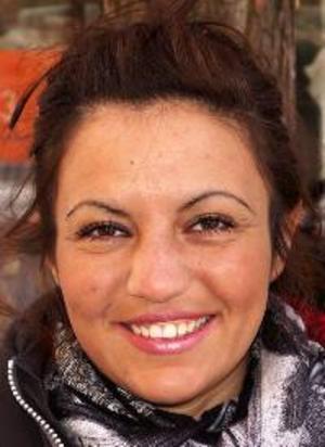 Victoria  Saleh, 26 år, Körfältet:– Ja, för att en president blir vald av folket. Kungahuset kan gärna avskaffas, det är så gammalmodigt.