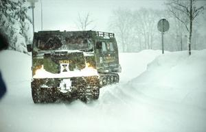 Bild från snökaoset 1998. Så mycket snö kan vi knappast vänta oss på söndagen.