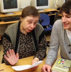 Aaza Davödov kommer från Estland och har ryska som modersmål.