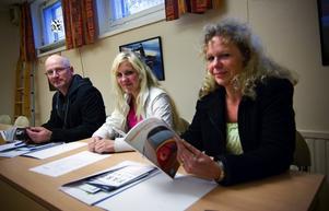 Ute i god tid. Borlängeborna Pierre, Sabina och Anna-Lena Billman var ute i god tid när de bokade kursplatserna.