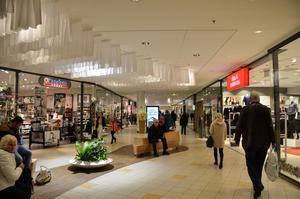 Julhandeln innebär en ökad mängd snatterier och andra händelser på Kupolen.