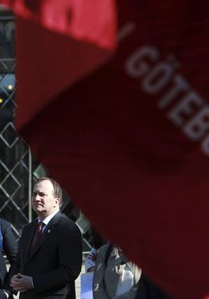 Statsminister Stefan Löfven förstamajtalade i Göteborg i år. Skribenterna tycker att demonstrerande på 1 maj måste få en annan inriktning.