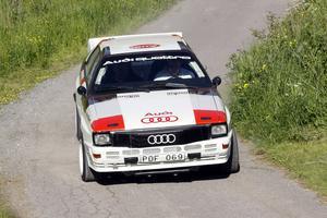 Tobias Johansson testar Audi Quattron inför rallyt. Troligtvis den sista tävlingen som bilen används av familjen Johansson, efter rallyt ska den säljas.