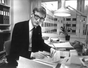 Carl Bildt som  statssekreterare 1979. Bildt har funnits i svensk politisk centrala händelser under fem decennier. Statsminister 1991-1994 och utrikesminister 2006-2014.