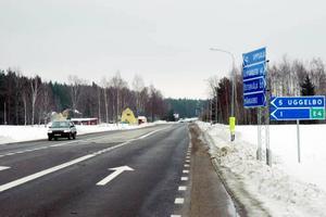 NYTT CENTRUM. Kommunen vill starta en utredning för att se om centrum i Månkarbo bör förskjutas mot E4-påfarten.