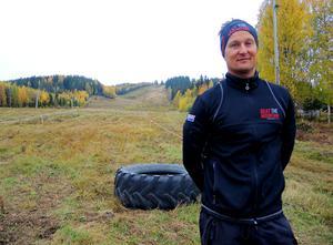 När det inte fanns något extremlopp som sprangs i backe så skapade idrottsläraren Tobias Olsson Berglind ett eget, Beat the mountain.