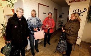 Ett glädjens besked tycker Marianne Häger, Gun-Britt Larsson, Susanne Fernefält och Inger Hemmingsson. Foto: Johnny Fredborg