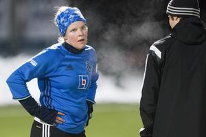 Caroline Röstlund vid ÖDFF:s första träning för året på Jämtkraft Arena.
