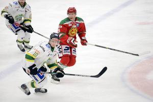 Matt Fornataro kom till Mora vid midnatt natten mot lördag och 16 timmar senare gjorde den från Västerås ratade spelaren debut i sin nya klubb.
