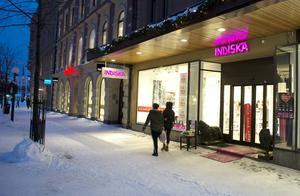 Fyra anställda berörs när Indiska ska stänga butiken på Storgatan i Sundsvall. Även en butik i Örnsköldsvik stängs.