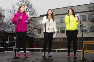 """Arrangörstrio. Evelina Skantz, Rebecka Garside och Tina Karlsson är tjejerna bakom """"Gå mot cancer""""."""