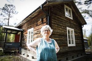 Christina Borgh Engman vill vara i Halån, Ragunda, mer än hon hinner. Hit flyttade hennes förfäder från Småhamrarna i Glöte, Härjedalen.