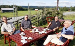 Ulf Jonasson, Per Åsling, Ove Norrman och Nils-Bertil Nilsson har bidragit med grundplåten till Tillväxtkassan. Det har också Sven-Erik Färnström och Helén Olausson gjort.