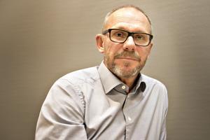 Roger Hydén jobbar hårt med säkerheten på sitt företag som i dag heter Enerco. Alla anställda har lyssnat på hans och Andreas Neumans berättelse om olyckan.