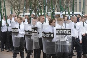 Reklambärare för terrorsekten NMR:s nätsajt Nordfront.