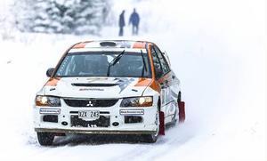 Albert Friberg, Motala, i en Mitsubishi under sträckan Gällsåberget. Friberg slutade på en hedrande 17:e plats.