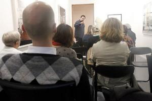 Intresserade besökare lyssnade till fyra korta föredrag om litteraturen i Jämtland, en mötesserie som borde få uppföljare.