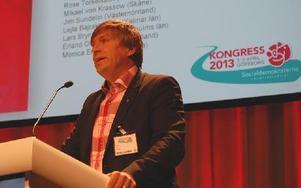 – Kommunerna är beställare och då ska de också få ett avgörande inflytande på hur verksamheten organiseras, sade Lars Isacsson inför debatten om vinster i välfärden.
