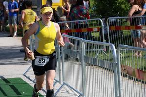 Bibben Nordblom, Gyttorp, har två VM-guld i swimrun på meritlistan. I Örebro triathlon blev hon åtta på 5.04.12.