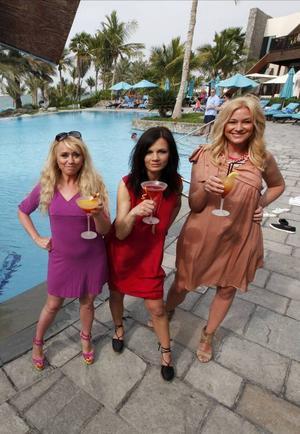 Nanne Grönvall, Lena Philipsson och Jessica Andersson laddar med drinkar i Dubai inför sommarens Digiloo-turné.