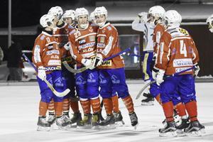 Västanfors går på is på fredag. Sedan spelas första träningsmatchen på lördag.