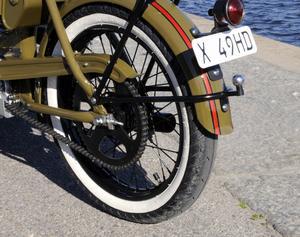 Mopeden är utrustad med dragkrok.