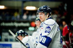 Leksands lagkapten Gabriel Karlsson är inställd på att föra sitt Leksand mot andra raka segern i upptakten av kvalserien.
