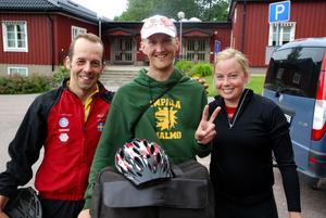 Atleter med den rätta andan. Olof Häggström, lars Mattsson och Ida Holmlund kom ända från Umeå för att tävla.