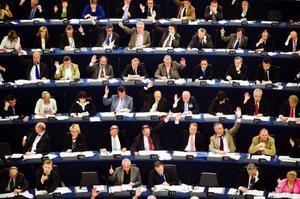 """""""Sex av tio beslut i kommuner och landsting påverkas direkt eller indirekt av ett beslut  i EU"""", skriver Bodil Ceballos, mp. Foto: Robert Henriksson/Scanpix"""