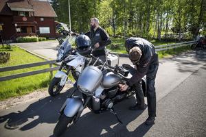Alla som har en motorcykel får vara med. Gammal som ung.
