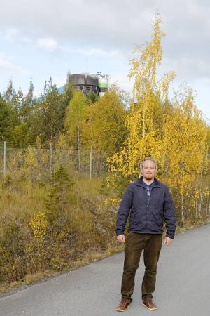 Ofta nämns Birsta i Sundsvall som en konkurrent till Lillänge. Men Pontus Rosér tycker att Lillänge har en klar fördel.    – Birsta skulle bara kunna drömma om att ha de utvecklingsmöjligheter som Lillänge har, med den här närheten till grönområden.