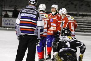 Med tre omgångar kvar tvingas Västanfors redan ställa in sig på spel i division 1 nästa säsong.