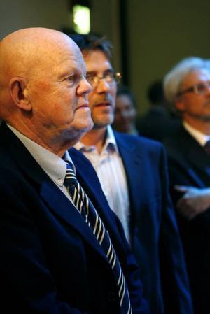 Torsten Andersson tar emot Carnegie Art Award.