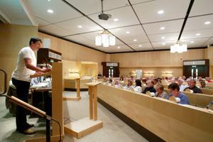 Nästan fyra timmar tog gårdagens budgetdebatt i fullmäktige. En av talarna var centerns Reinhold Hellgren.