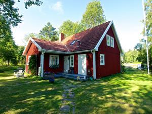 Målarmästaren Jonas ger sina främsta tips om hur man bäst målar om huset och vad man ska tänka på vid utomhusmålning i vår och sommar.