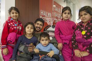Ali Abdu, Sundsvall   – Mellandagsrean betyder ganska mycket. Rean gör att jag får råd att handla mer kläder och saker till barnen.