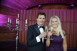 Micke Leijnegard blir programledare och Malena Ernman får hedersuppdraget att läsa
