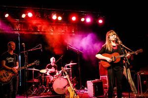 Ellen Sundberg öppnade kvällen med sitt band. Som avslut bjöd hon även på ett smakprov från nya skivan som kommer till hösten.