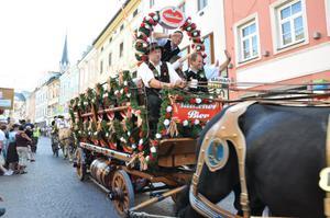 Den stora vagnen från Villachs bryggeri var fylld med öltunnor. En av många uppskattad last som drog av ett hästspann.