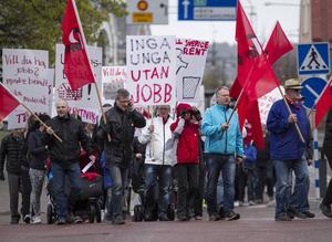 Socialdemokraterna började sitt tåg vid Läroverket.
